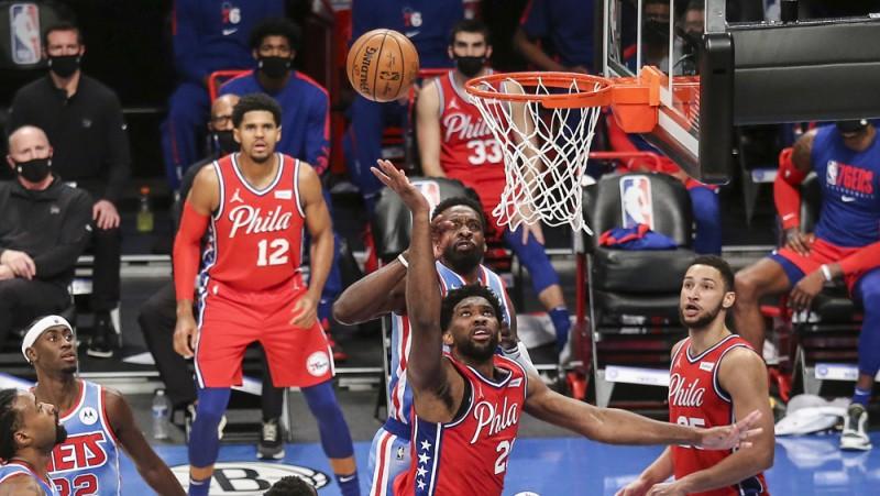 """""""76ers"""" pirms spēles pieejami tikai seši basketbolisti, inficēšanās arī """"Mavericks"""""""