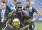 Video: Francijas futbolisti savas trakās svinības pārceļ uz trenera preses konferenci
