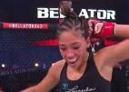 Video: MMA cīkstone demonstrē uzvaras deju un uz brīdi samulsina cilvēku