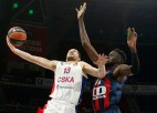 """Strēlniekam trīs punkti CSKA zaudējumā, Freimanis <i>flirtē</i> ar """"triple-double"""""""