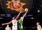 Laksai 13 punkti un uzvara pirmajā WNBA pārbaudes spēlē