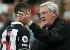 """Brūss nosliecas uz """"Newcastle"""" galvenā trenera posteņa atstāšanu"""