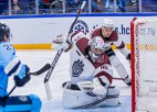 """Video: Rīgas """"Dinamo"""" vārtsargs atzīts par KHL nedēļas labākā atvairījuma autoru"""