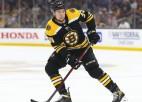 """""""Bruins"""" amerikānis Makavojs kļuvis par vienu no dārgākajiem aizsargiem NHL"""