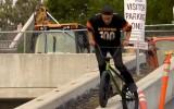 Video: Riteņbraucējs rāda klasi