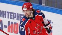 """KHL labākajā momentā """"armijnieki"""" saplosa Rīgas """"Dinamo"""" aizsardzību"""