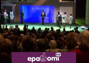 Video: Dailes teātra kolektīvs pārsteidz Artūru Skrastiņu 40. jubilejā