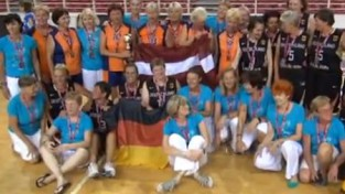 """''Zeltenes Latvija'' pasaules čempiones """"Maxibasketbolā"""" (+video)"""