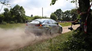"""Lukjaņuks ar neparastu auto uzvar """"Rally Utena"""", Vorobjovs triumfē savā klasē"""