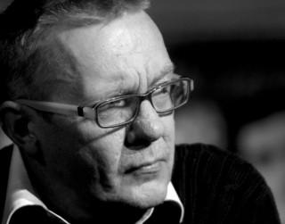 Miris Latvijas Leļļu teātra aktieris Pēteris Šogolovs