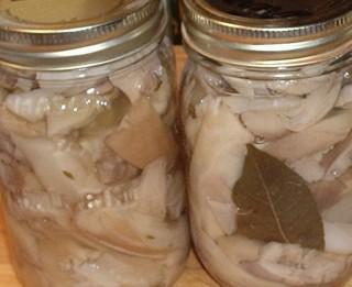 Sterilizētas marinētas sēnes