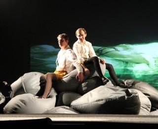 """Video: """"Mēs gribam, lai pornožurnālu vietā pusaudzim būtu ar ko parunāt"""": režisors Ivars Lūsis par izrādi """"Pavasara atmoda"""" Leļļu teātrī"""