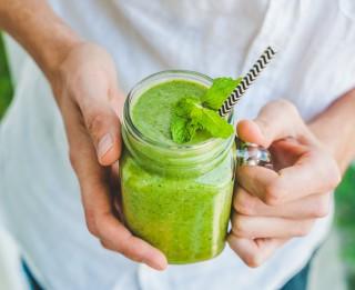 8 vasarīgi smūtiji slaidam un veselam ķermenim