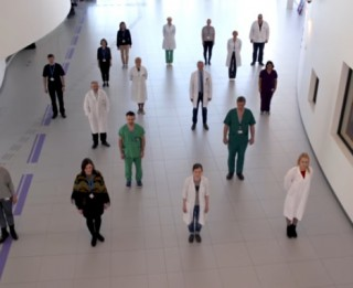 Video: Latvijas ārsti aicina glābt savas un viņu dzīvības