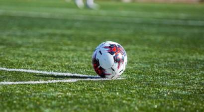 Virslīga turpinās, telpu futbols apturēts, zemāko līgu sezona noslēgta