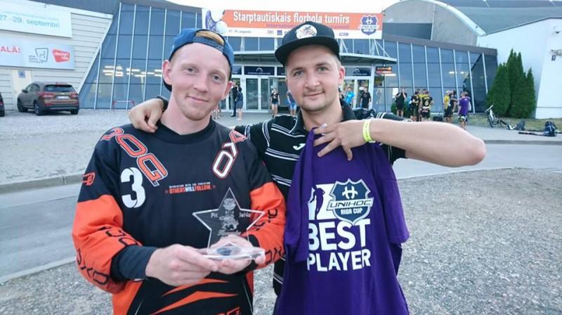 Gundars Krīpēns (pa kreisi) sekmēja jelgavnieku otro uzvaru turnīrā Foto: FK JeNo