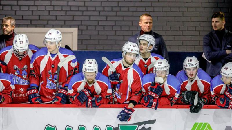 """Artis Ābols uz """"Zemgales"""" soliņa. Foto: Agris Bricis, Optibet hokeja līga"""