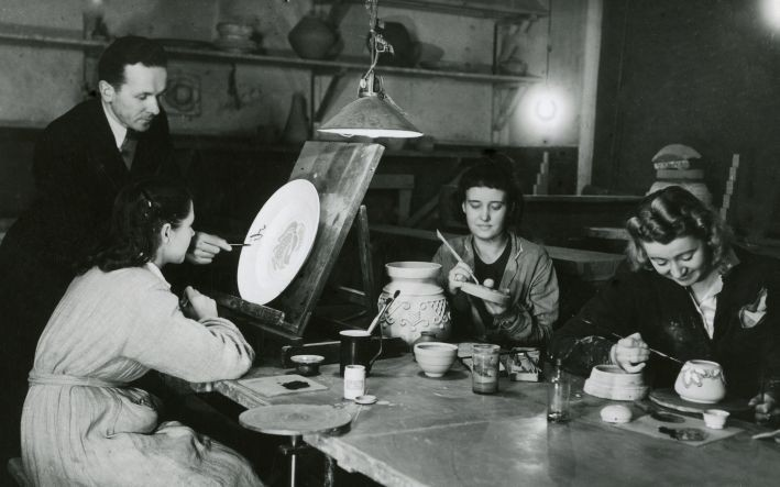 """Dekoratīvās mākslas un dizaina muzejs aicina uz semināru """"Mākslinieka rokraksts. Vilim Vasariņam 110"""""""