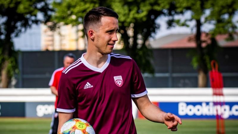 Dāvis Ikaunieks palīdz komandai gūt rezultatīvu uzvaru Čehijā