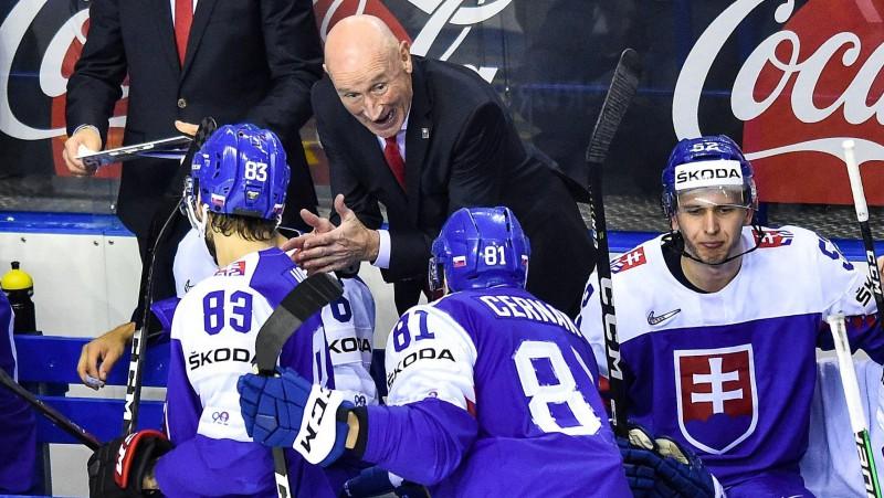 Slovākijas hokeja izlasi turpinās vadīt Remzijs