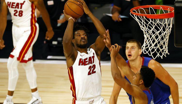 """""""Heat"""" sagrauj Denveru, Batleram un Adebajo pa 22 punktiem"""