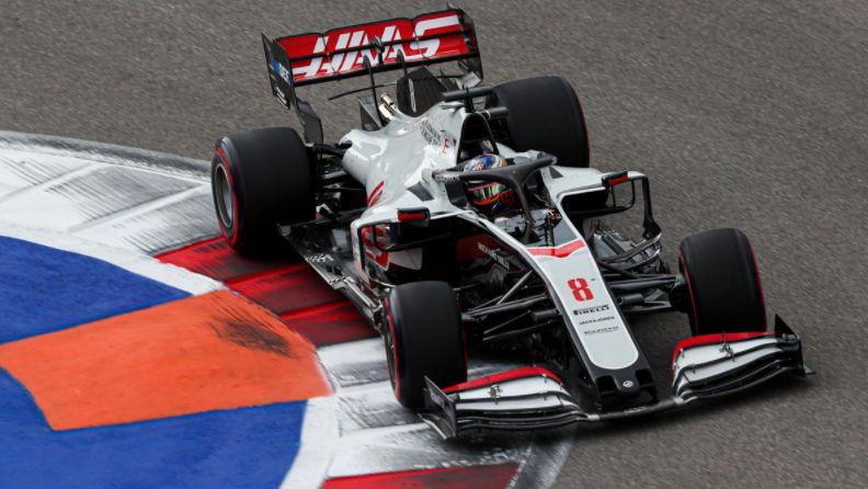 """Jaunās """"Haas"""" formulas būvēs """"Ferrari"""" rūpnīcā Maranello"""