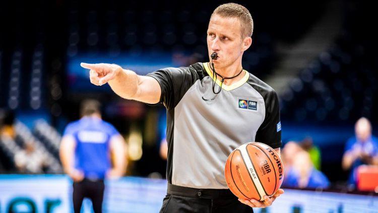 Tokijas olimpiskajās spēlēs strādās basketbola tiesnesis Kozlovskis