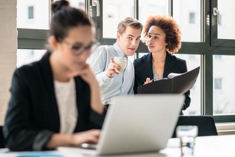 Tēmas, kuras nevajadzētu apspriest ar kolēģiem