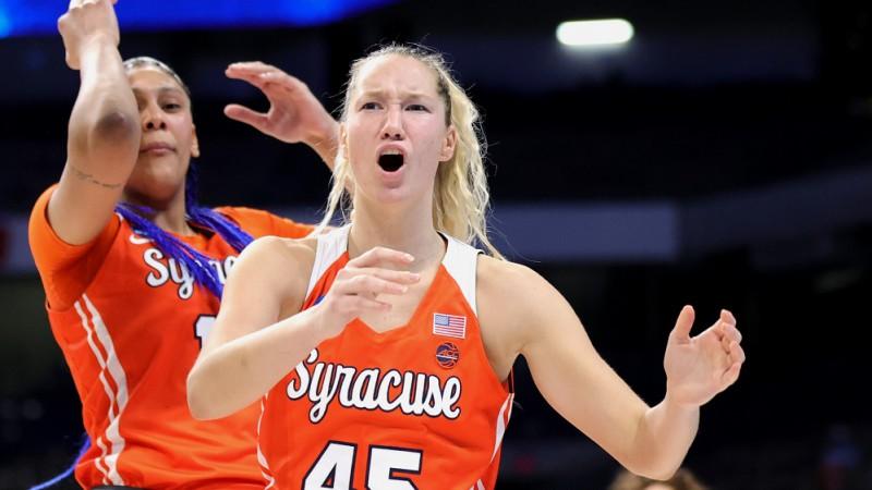 """Strautmane atstāj """"Syracuse"""", saglabā iespēju vēl vienu sezonu spēlēt NCAA"""