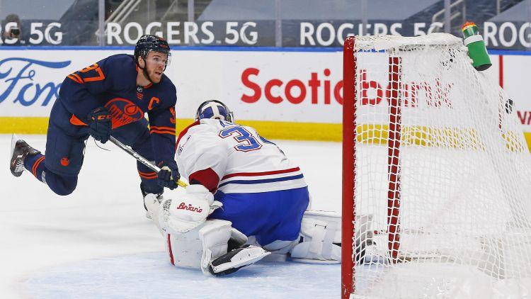 "Makdeividam galotnē 1+2, ""Canadiens"" vārtsargam Praisam savainojums"