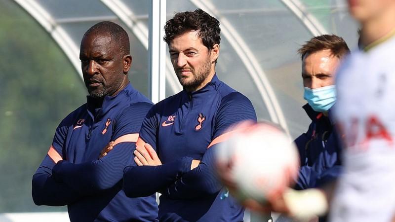 Par ''Tottenham'' galvenā trenera vietas izpildītāju līdz sezonas beigām ieceļ Meisonu