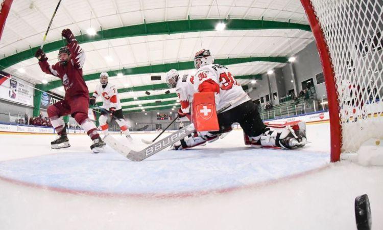 Latvijas U18 izlases hokejisti turpinās čempionātu pret Kanādu