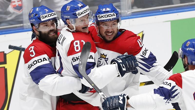 """Hitils, Kubalīks un trīs """"Red Wings"""" hokejisti iekļauti Čehijas izlasē"""