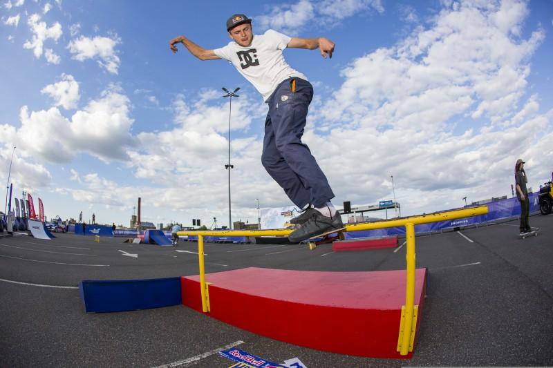 Virs Rīgas jumtiem Madars Apse noskaidrojis Red Bull MAD[AR]CADE labākos