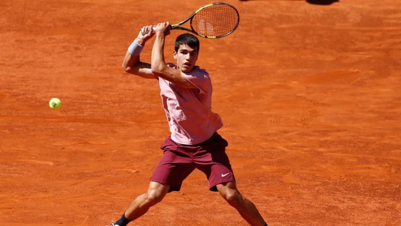 Alkarass atkārto Nadala sasniegumu, pirmo ATP titulu izcīnot 18 gadu vecumā