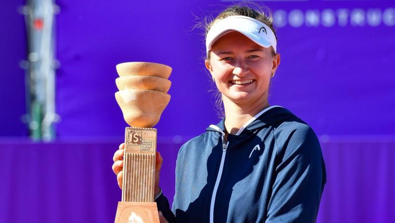 Dubultspēļu speciāliste Krejčīkova pirmoreiz uzvar WTA vienspēļu turnīrā