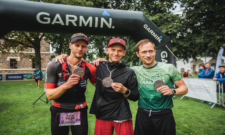 Kalniņš un Limanāne triumfē Latvijas čempionātā 83km taku skriešanā