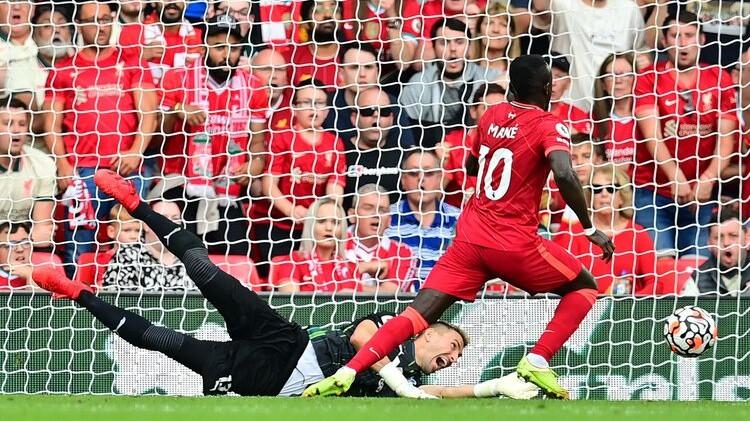 ''City'' zaudē punktus pret Saints, ''Liverpool'' turpina bez zaudējumiem